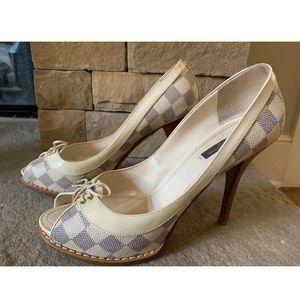 LOUIS VUITTON Creme Azur Peep Toe Heels 40/9.5-10